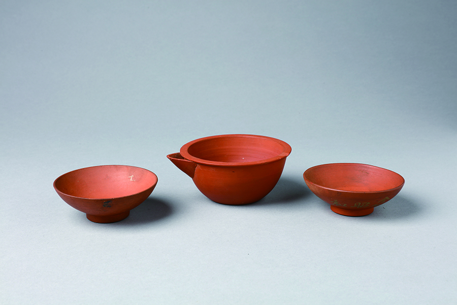 Red stoneware teaware set, Hsieh-te factory, Nantou, Taiwan, First half of 20th century, Private Collection, Taiwan